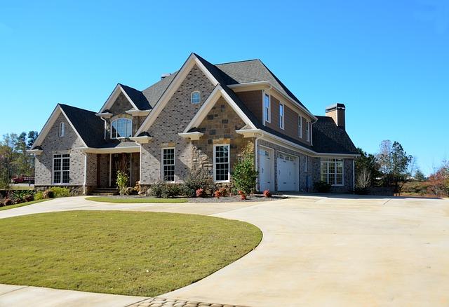 Inwestycja w nieruchomości – czy opłacalna