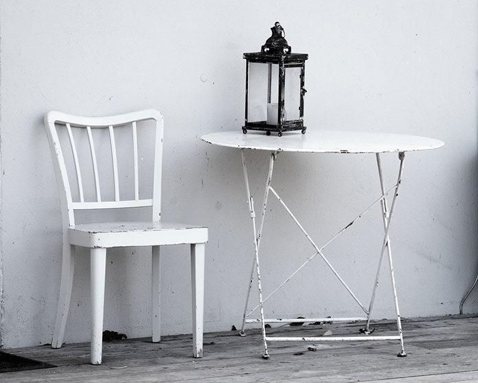 Jak wybrać stoliki metalowe do restauracji?