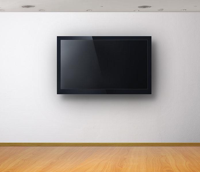 Duży telewizor w małym pokoju? O tym warto pamiętać