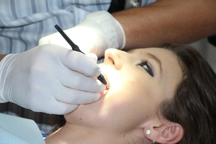 Endodoncja nie taka straszna – sprawdź, co warto wiedzieć!