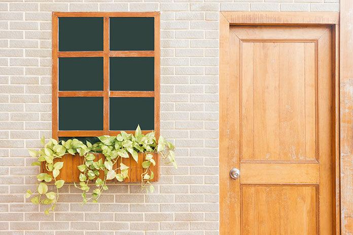 drzwiach zewnętrznych