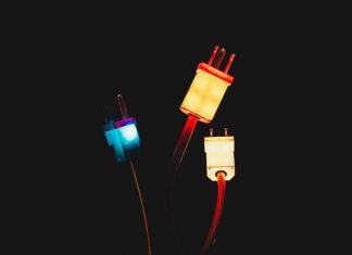 O czym trzeba pamiętać, tworząc instalację elektryczną w domu